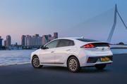2020-Hyundai-Ioniq-Electric-2