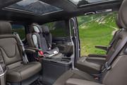 2020-Mercedes-Benz-V-Class-16