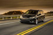 2020-Chrysler-Pacifica-Red-S-Edition-37