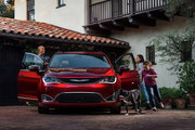 2020-Chrysler-Pacifica-Red-S-Edition-52
