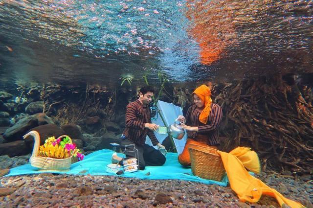 gambar kahwin dalam air
