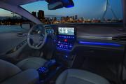 2020-Hyundai-Ioniq-Electric-25