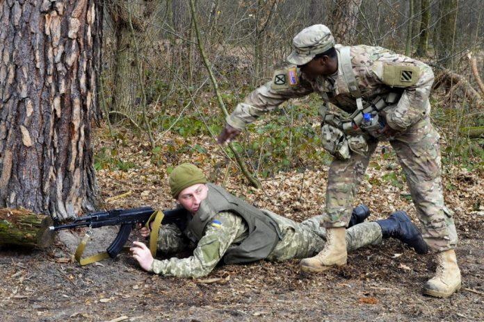 Amerikai kiképzők az ukrán hadseregnél