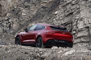 2021-Aston-Martin-DBX-11