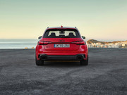 2020-Audi-RS4-Avant-25