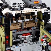 2020-Land-Rover-Defender-LEGO-Technic-8