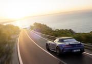 Mercedes-AMG-GT-R-Roadster-18