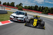 Renault-Megane-RS-Trophy-R-15
