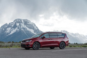 2020-Chrysler-Pacifica-Red-S-Edition-19