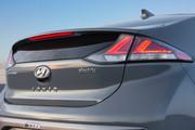 2020-Hyundai-Ioniq-Electric-10