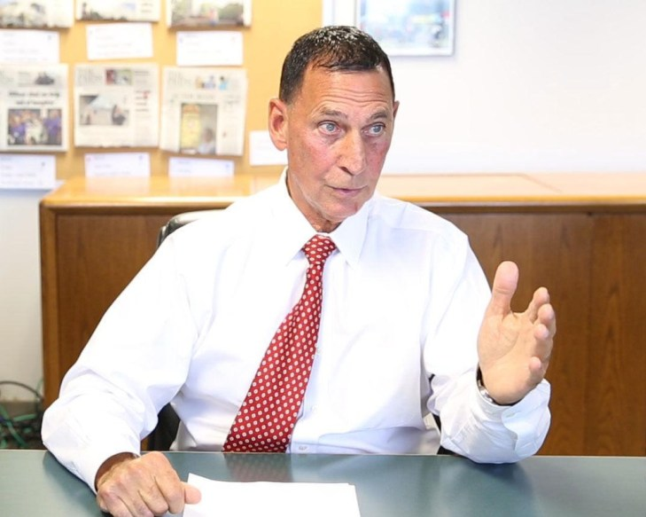 Frank LoBiondo discussing issues in the campaign with the Press of Atlantic City editorial board.