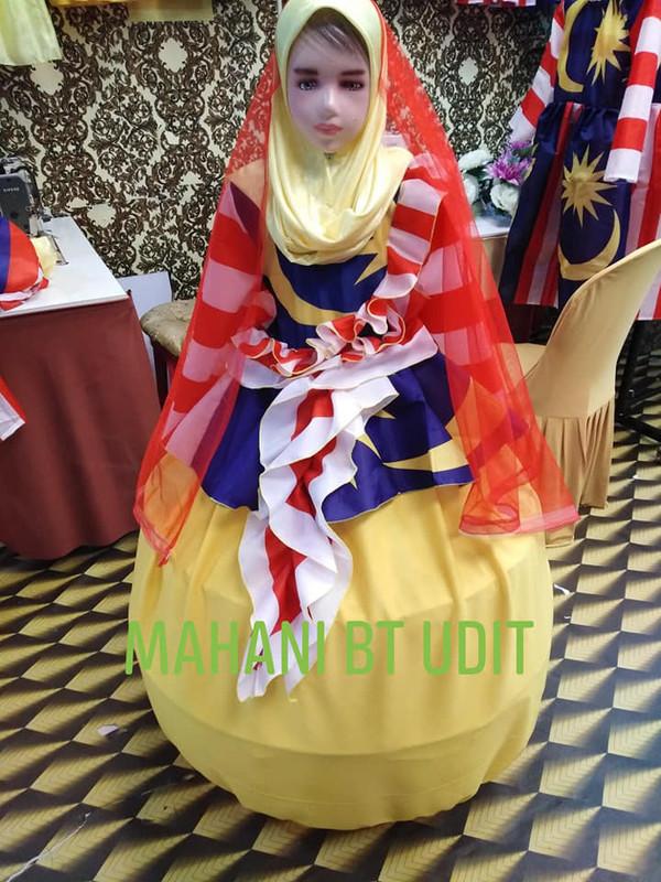 harga RM50-RM250 sepasang baju Jalur Gemilang