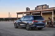 2020-BMW-X7-26