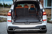 2020-BMW-X7-125