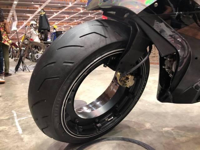 Motor Demak Hubless Wheel