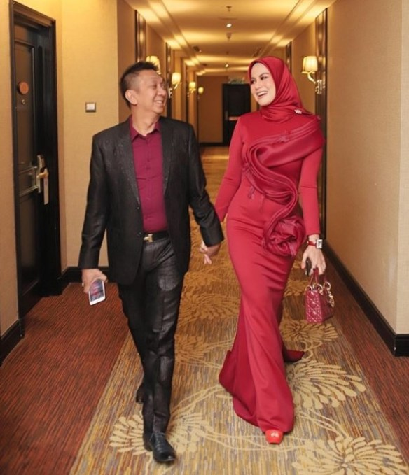 uqasha senrose goda suami rebecca nur islam