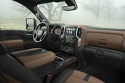 2020-Chevrolet-Silverado-HD-15
