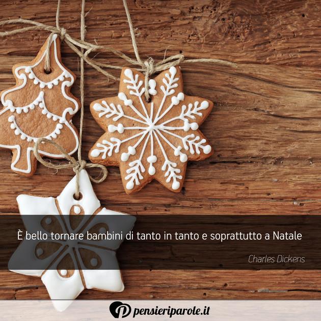 Potete utilizzare due frasi prese da qui, ed unirle a vostro piacimento. Immagine Con Augurio Auguri Di Natale E Bello Tornare Bambini Di Tanto In Tanto E