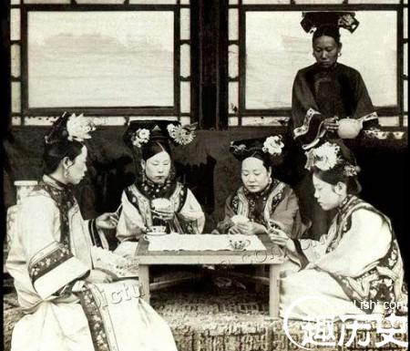 (老照片)揭秘清末民初國人怎樣打麻將,紙牌?