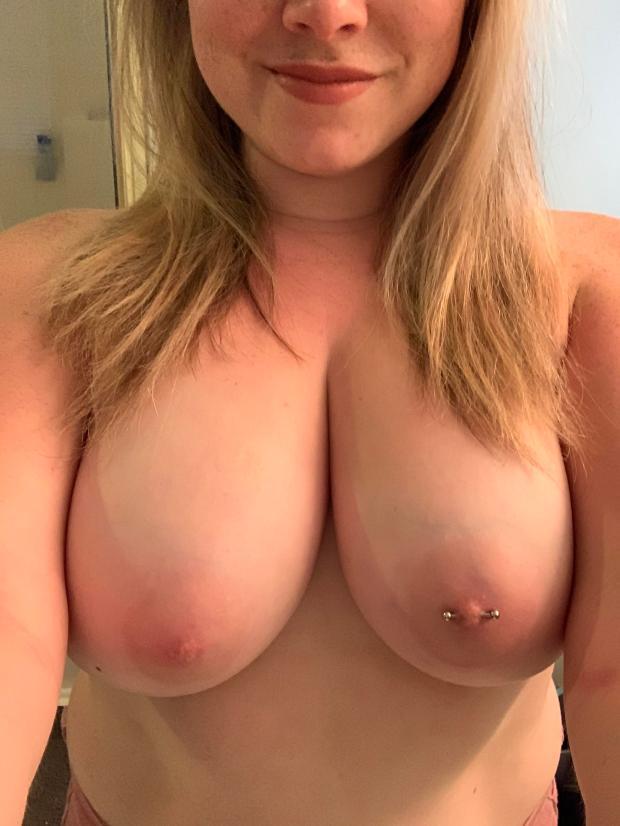 2e99etuy6ir31 - Mornings aren't my favorite, hopefully I brighten yours Nude Selfie