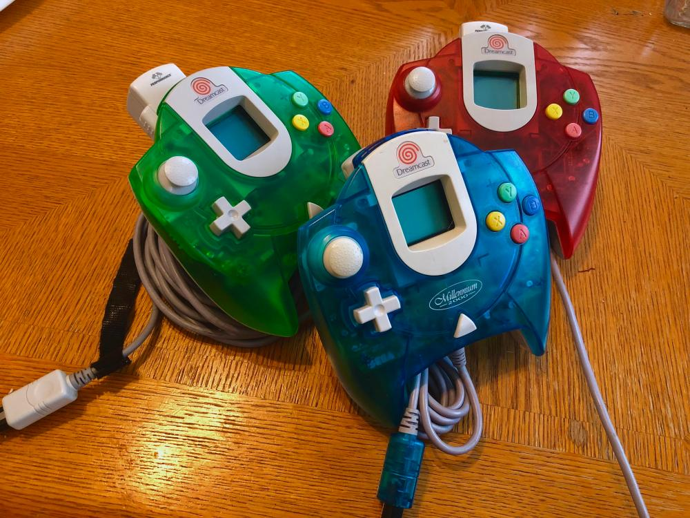 medium resolution of been having fun finding colored controllers what colors do you guys have
