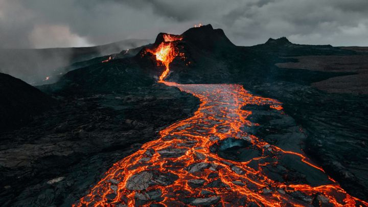 Volcano Eruption Lava (1920×1080)