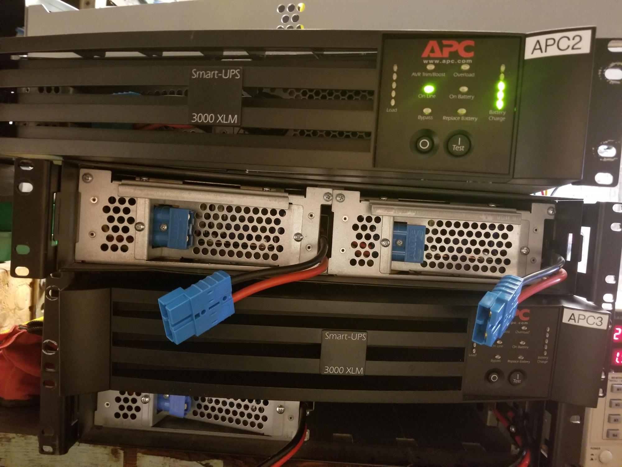 hight resolution of labporngot two apc smart ups 3000 for 75 each