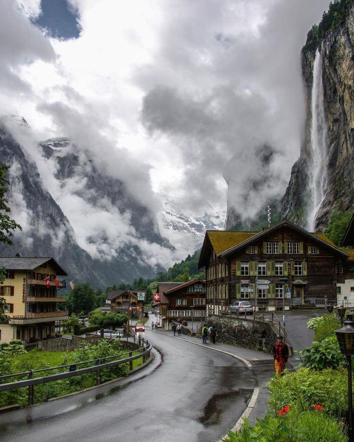 Lauterbrunnen Valley, Switzerland on a rainy summer day (Photo credit to Tom Durrer)
