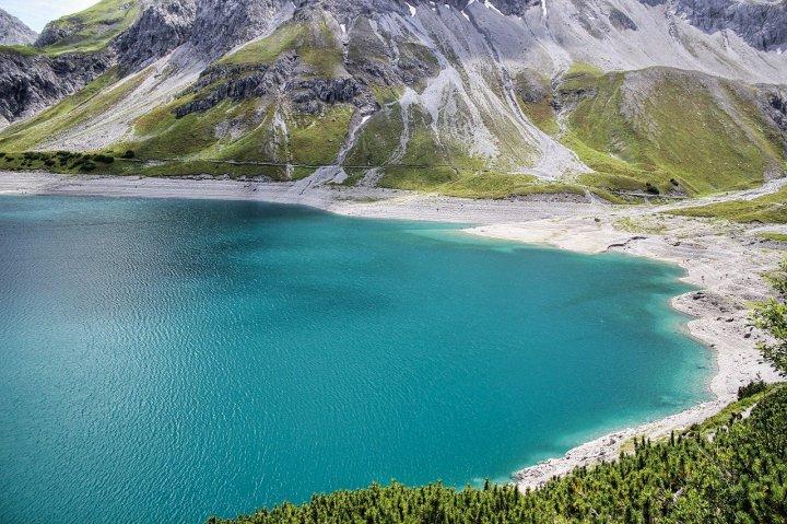 lake (1280×800)