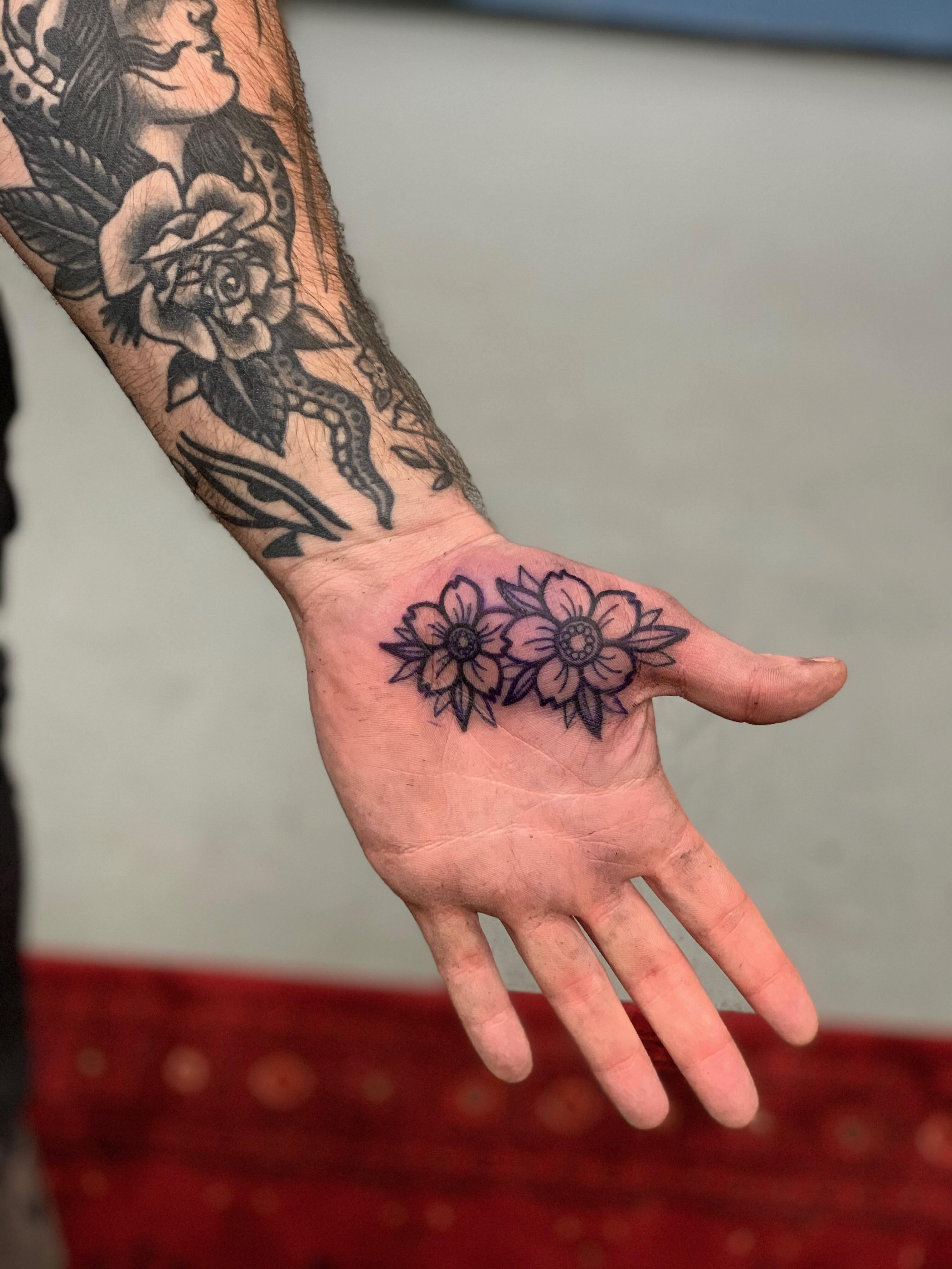 Front Wrist Tattoos : front, wrist, tattoos, Piece, Emily, Milja, Front, Street, Tattoo, Bank,, Tattoos