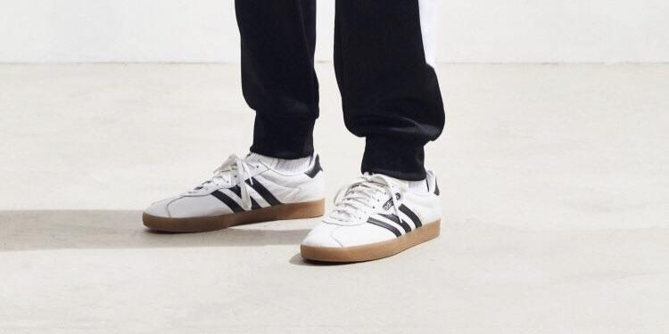 Does anyone know the name of these shoes? : WhatsThisShoe