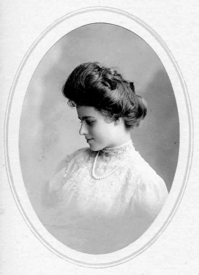 my grandmother. circa 1910? : oldschoolcool