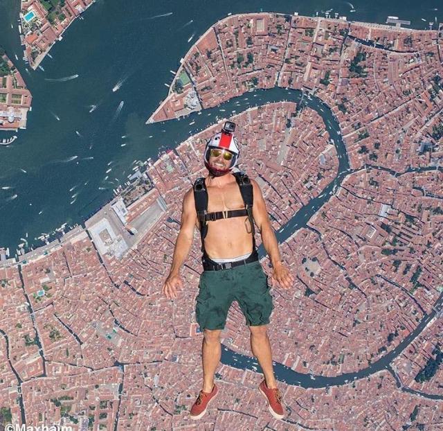 skydiver venice