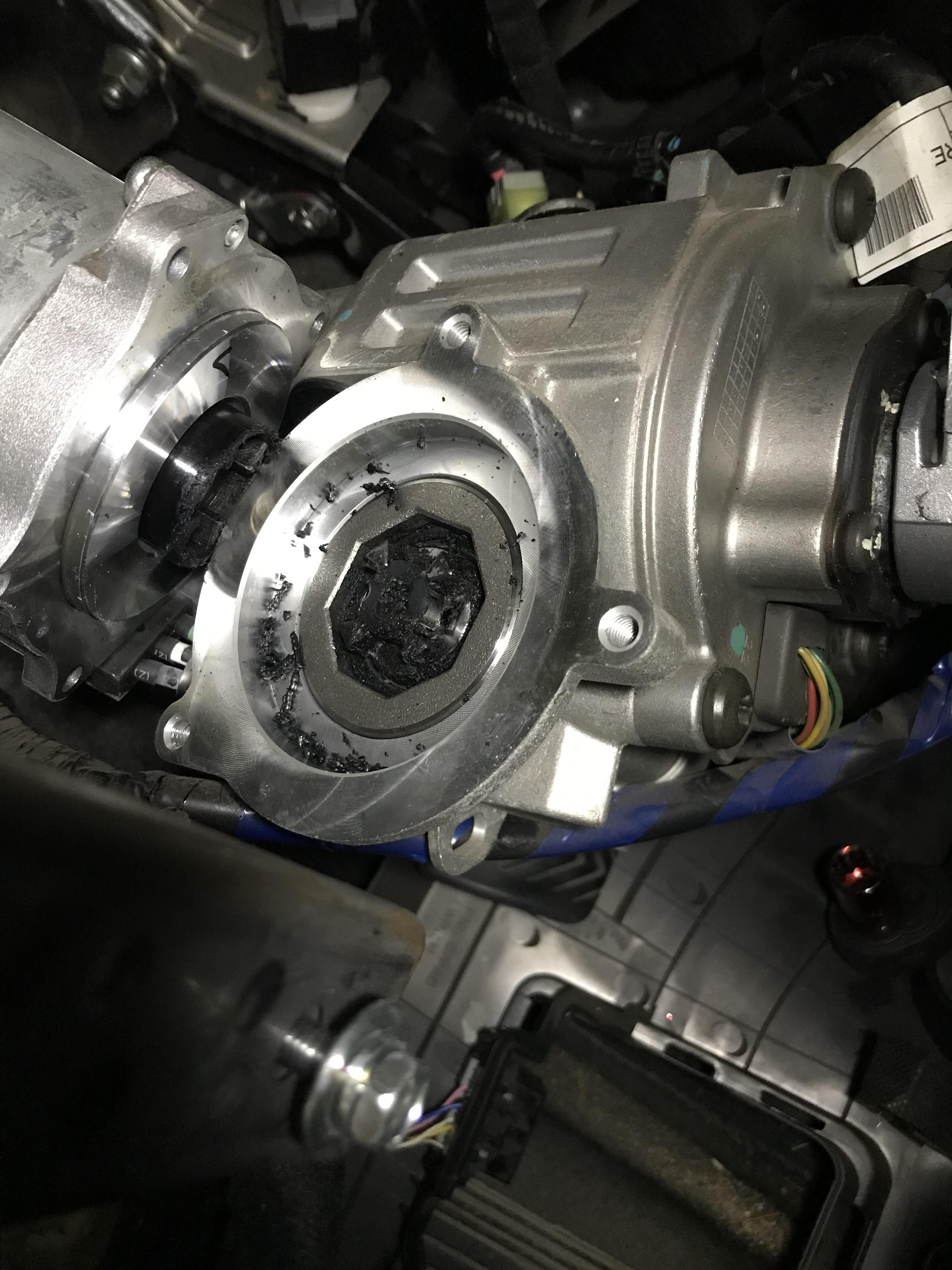 Hyundai Steering Coupler : hyundai, steering, coupler, Steering, Coupler, Kia/hyundai, Power, Motor., Rubber, Piece, Between, Metal, Gears, Pretty, Guaranteed, Fail., CrappyDesign