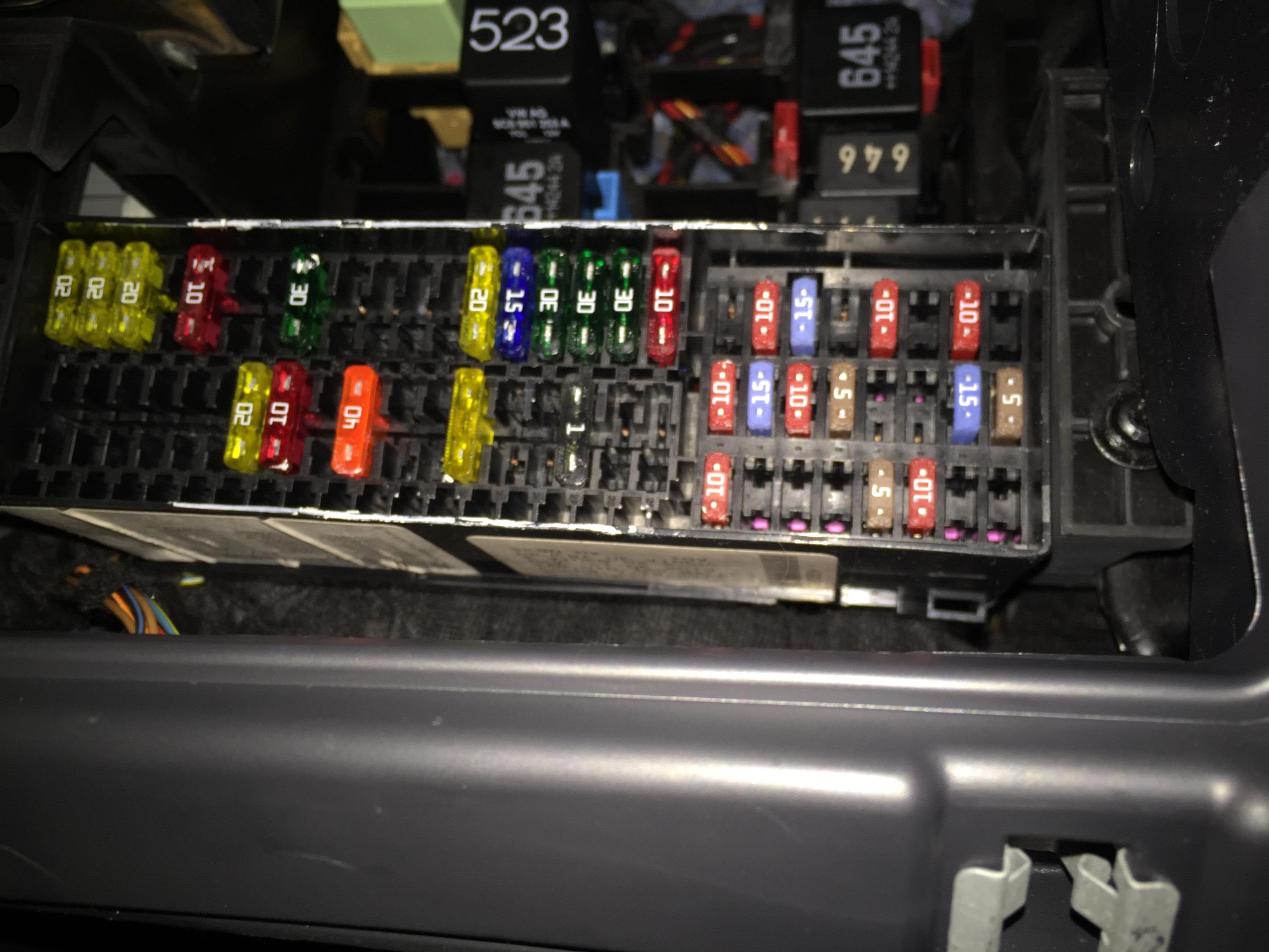 With 2012 Volkswagen Jetta Fuse Diagram Besides 2012 Vw Jetta Fuse Box