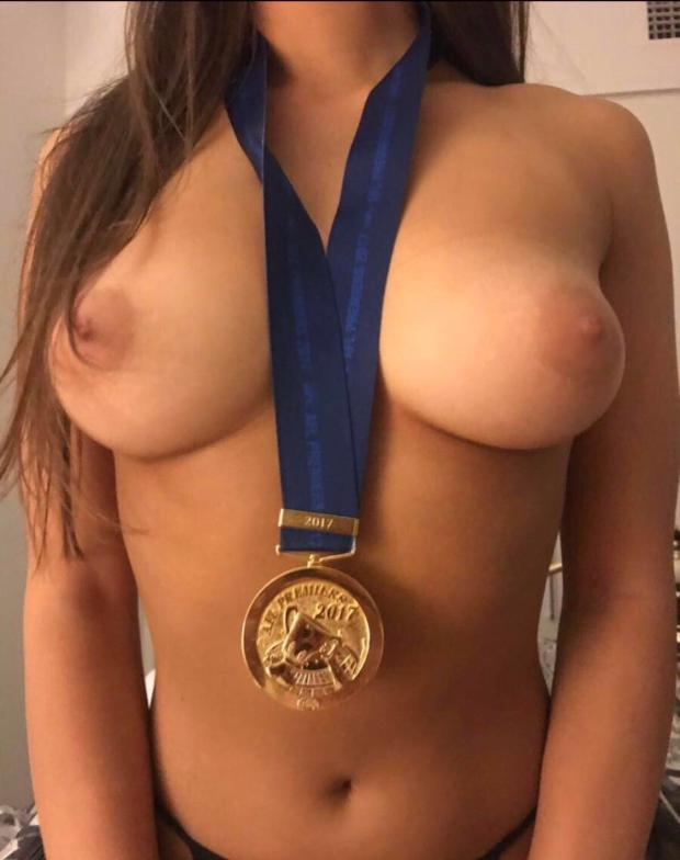 exeyitxdyc911 - Showing off medal Nude Selfie