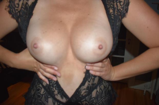 g1id5hic2gg31 - (f) Mind if I hold my tits for you as you cover them in cum? Nude Selfie