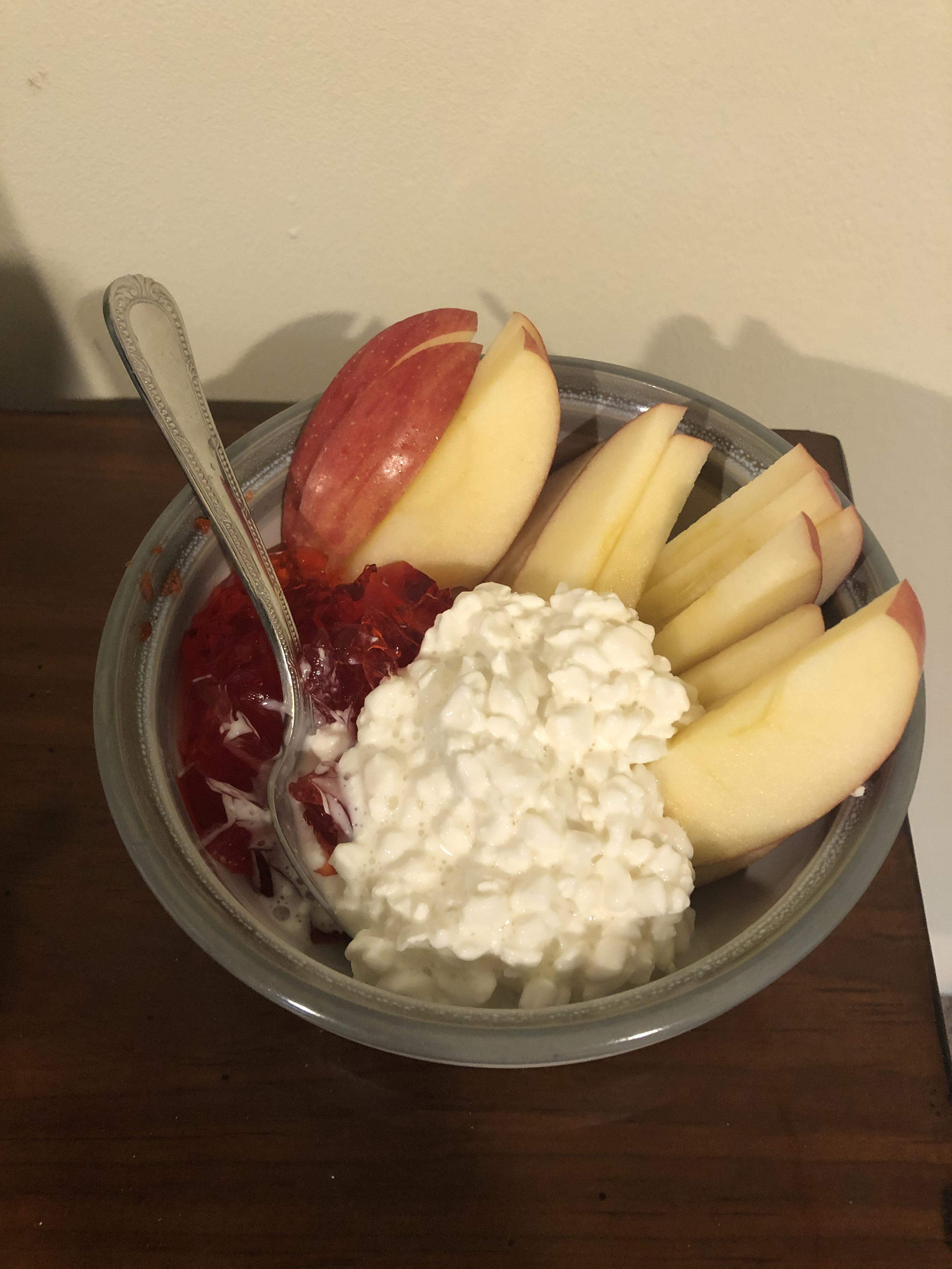Large Fuji Apple Calories : large, apple, calories, Track, Snack, Calories;, Large, Apple,, Cottage, Cheese,, Jello, Pictured, Laughing, Cheese, Wedge, Slices, Earlier!), 1200isplenty