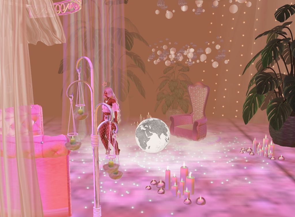 i made a new pink aesthetic room