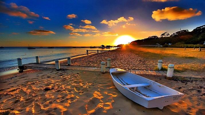 Sunrays On Coast [1920×1080]