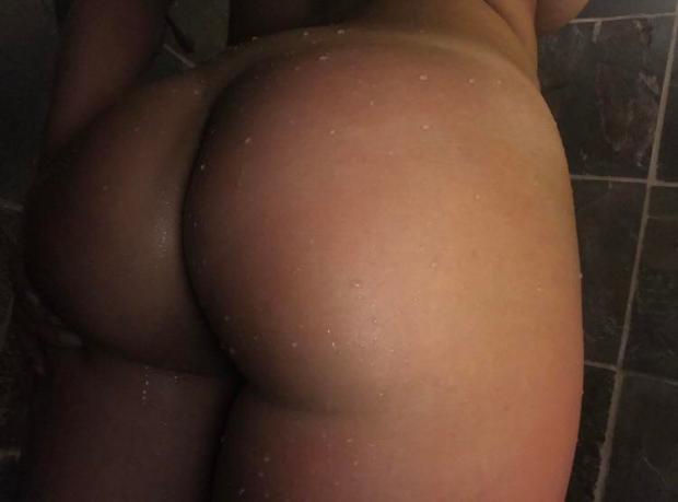 i0flep2g1jm11 - [F][18] A little juicy 💦 Nude Selfie