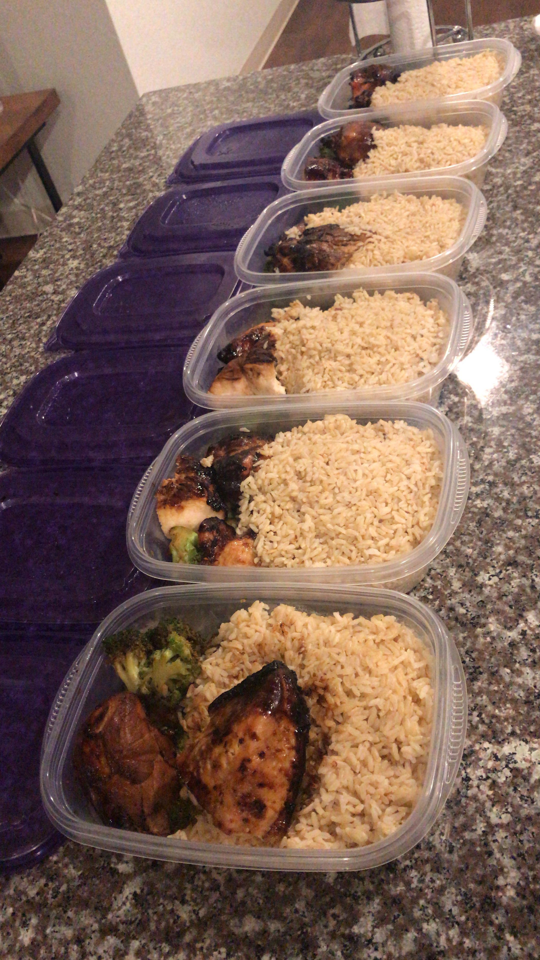 What Does 8 Oz Of Chicken Look Like : chicken, First, Prepping!, Around, Teriyaki, Chicken,, Broccoli,, Brown, MealPrepSunday