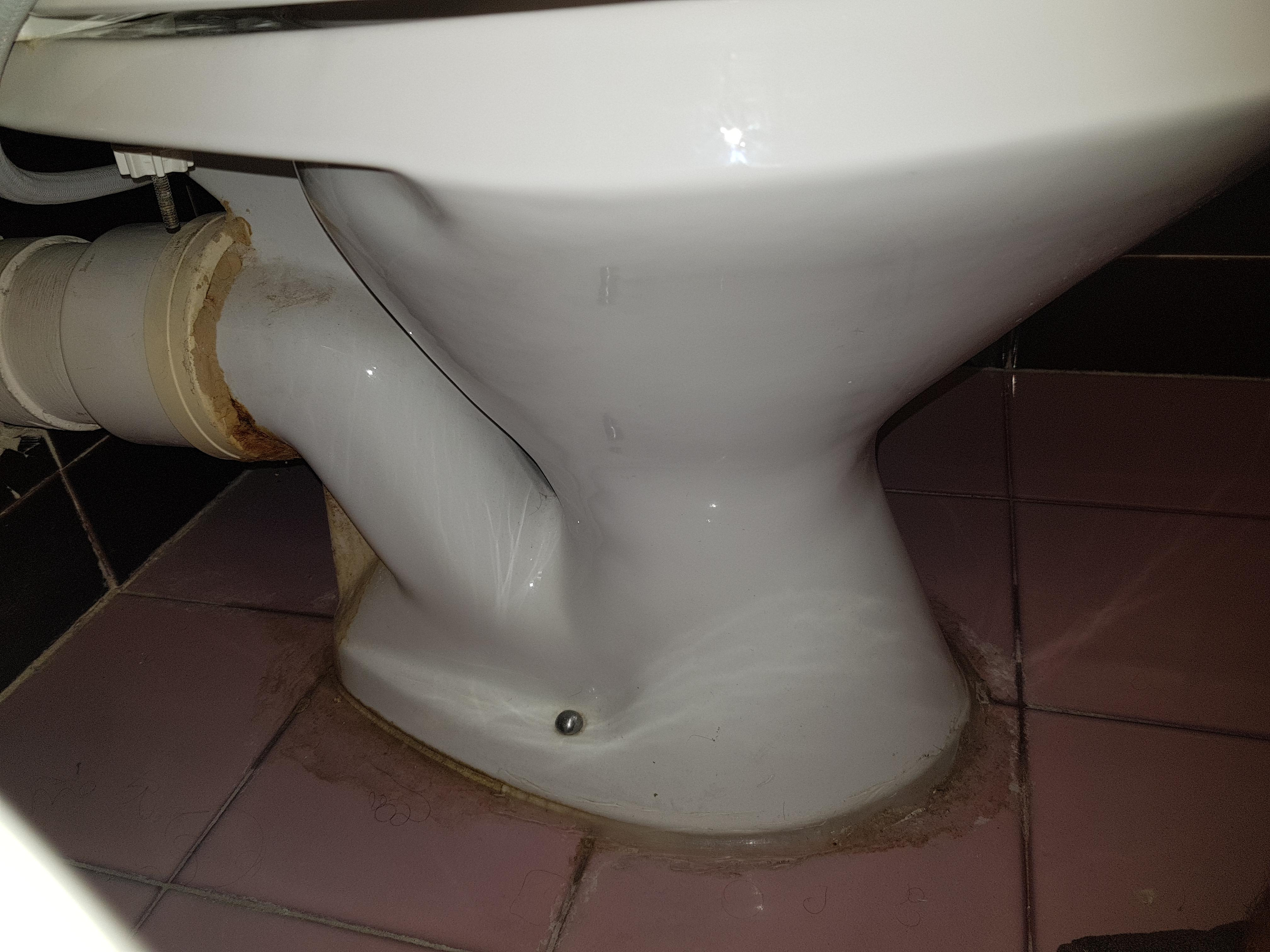 Rear Discharge Toilet Leaking How Does A Layperson Stop This Fixit