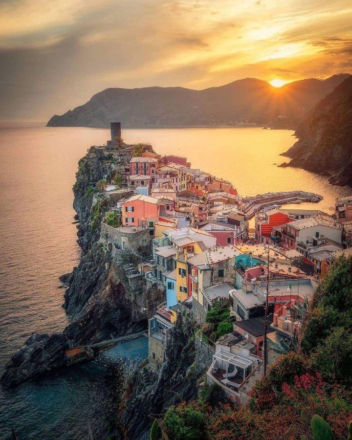 Vernazza, Cinque Terra Italy (Photo credit to Raffaele Di Rosa)