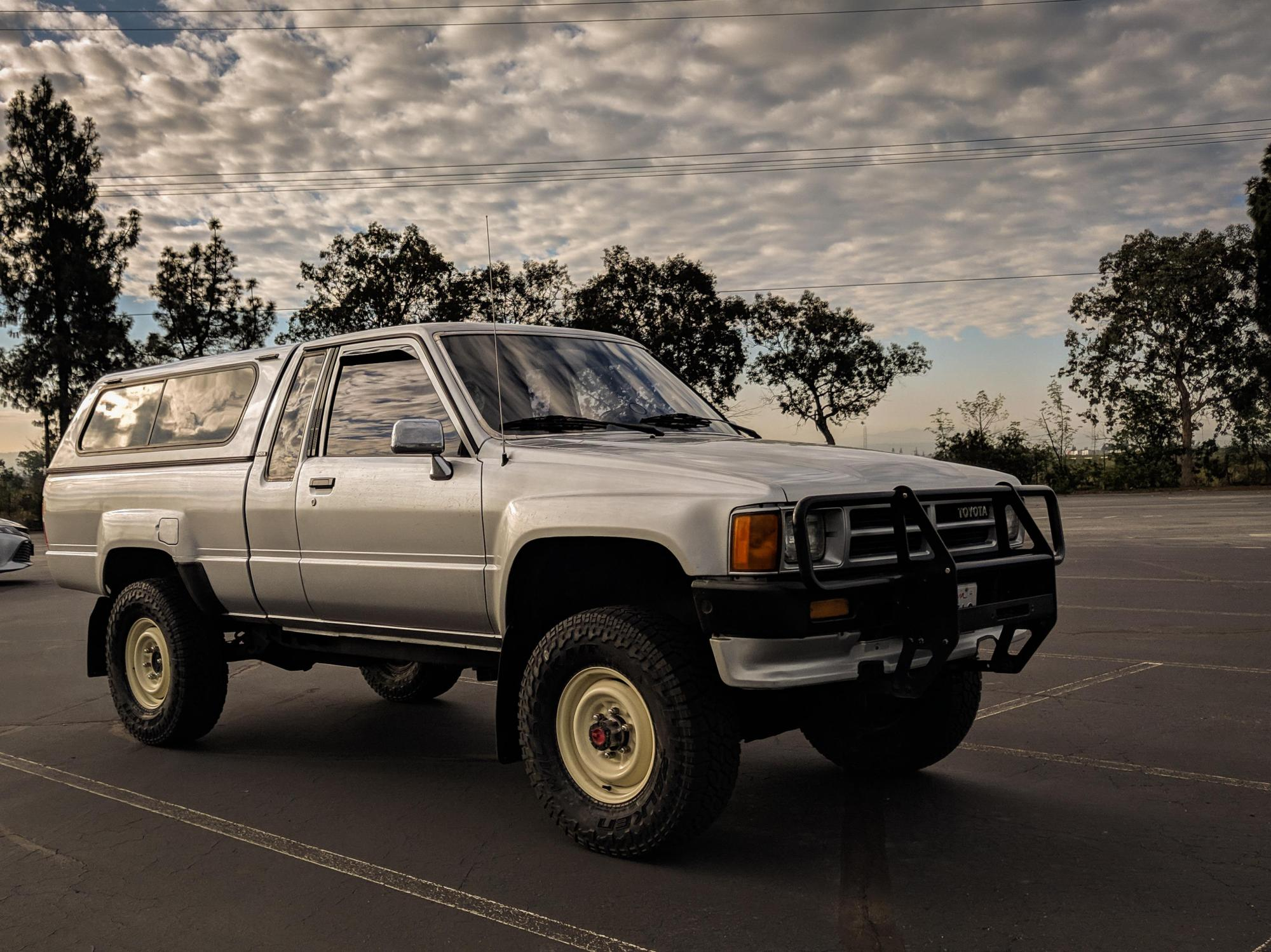 hight resolution of my 1987 toyota truck working on getting a 3rd gen tacoma
