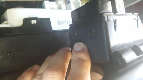 small resolution of  mechanicadvice does anyone know how to un clip these clips on my power window master switch for jeep wrangler 2008