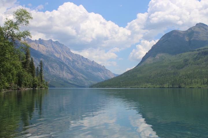 Lake Kintla, Glacier National Park, Montana (Photo credit to u/mitochondria134) [6000 x 4000]