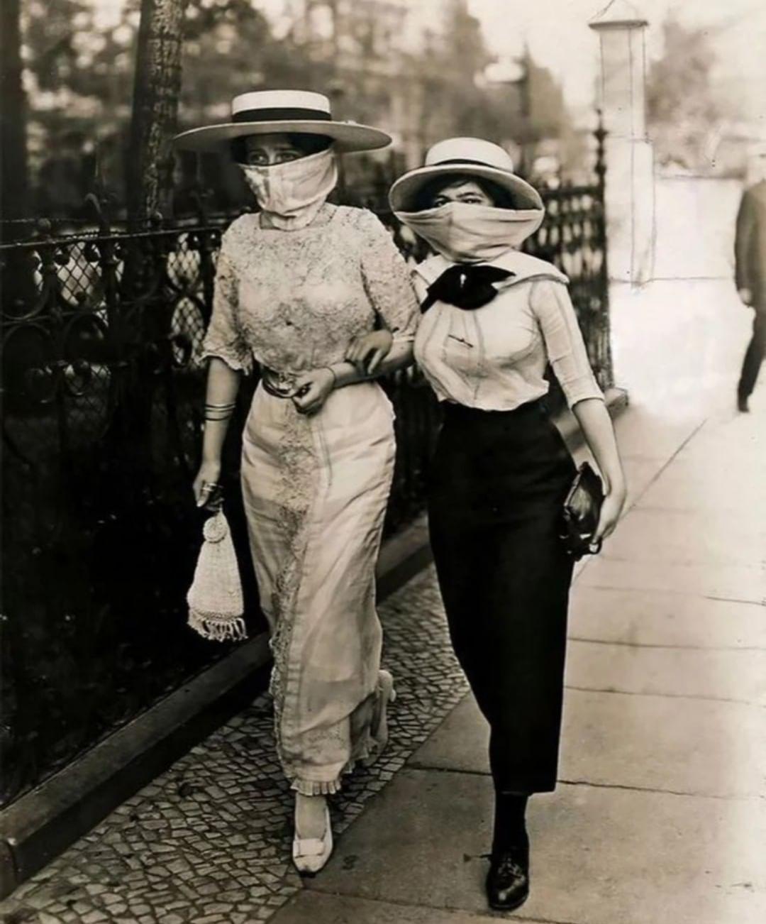 Photograph taken during the Spanish flu outbreak1918 ...