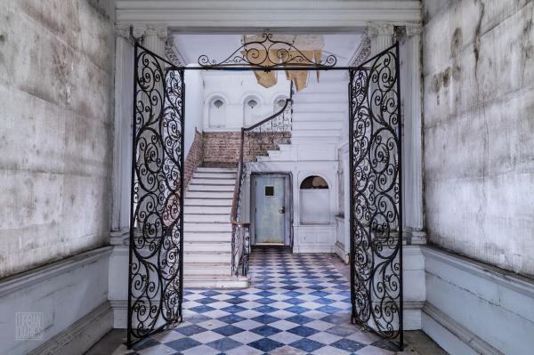 Abandoned Art In London Elegance Peak
