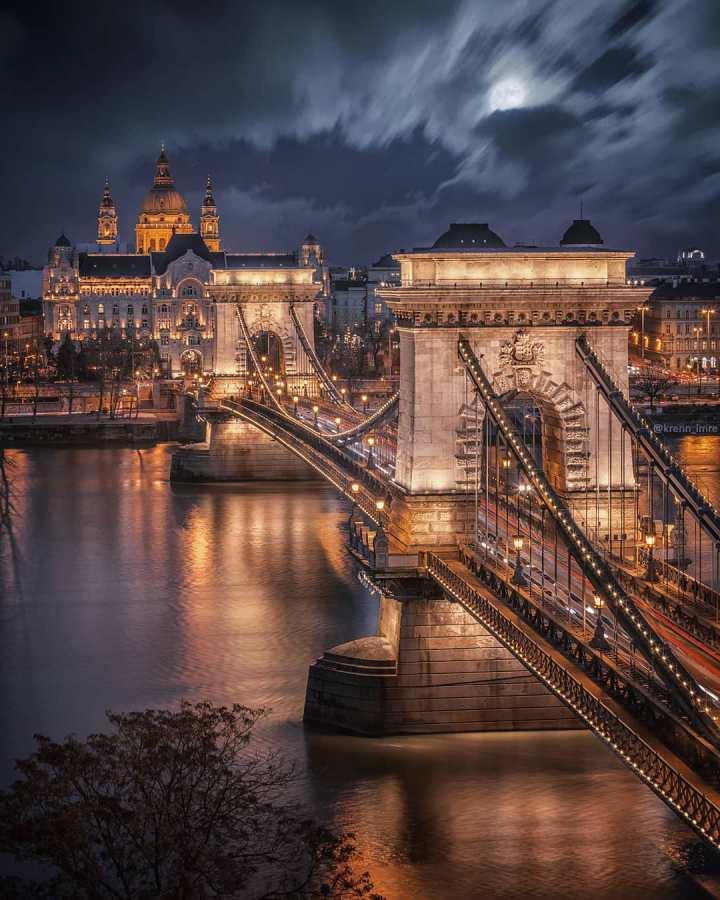 The Chain Bridge, Budapest Hungary (Photo credit to Krenn Imre)